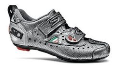 Sidi Women's Triathlon T2 Cycling Shoe - 2012 - 42 by Sidi. $199.99. Sidi Women's Triathlon T2 Cycling Shoe - 2012 - 42. Sidi's trademark last and supple, conforming upper give you the best foot support for the cycling leg, with engineered stiffness to power through and just enough flex in the toe to relieve plantar tendon strain on long TTs, so you don't sap your legs for the run. Hit T1, step into some T2s, and get ready to shatter your PR bike split.Millennium 3 Carbon Co...