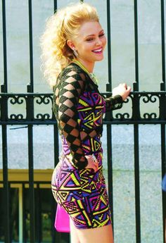 the carrie diaries season 2. Love her outfits