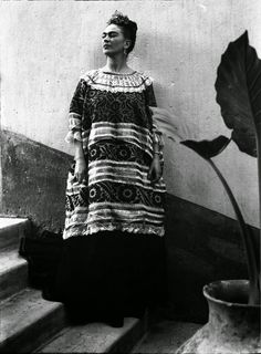Frida Kahlo by Leo Matiz, 1946. From vintage everyday: 40 Black and White Portraits of Frida Kahlo from between the 1930s and 1940s