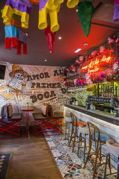 Colourful mexican bar restaurant cantin… – Wine World Mexican Restaurant Design, Colorful Restaurant, Mexican Bar, Taco Restaurant, Restaurant Seating, Mexican Restaurants, Bar Mexicano, Decoration Restaurant, Vintage Industrial Decor