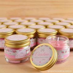 As mini velas perfumadas para as lembranças de maternidade da Carolina. ❤   Gostou? Então faça sua encomenda na loja virtual do Empório Cora...