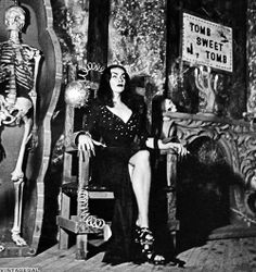 Maila Nurmi is Vampira. Horror Show, Horror Films, Arte Horror, Horror Art, Dracula, Dark Romance, Maila, Bride Of Frankenstein, Bizarre