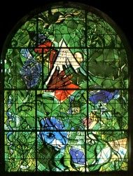 The tribe Isacher ~ The twelve windows were created by Marc Chagall for the Synagogue of the Hadassah hospital in Jerusalem. They symbolize the twelve sons of Jacob, which made the twelve tribes of Israel. Marc Chagall, Modern Stained Glass, Stained Glass Art, Stained Glass Windows, Chagall Windows, Chagall Paintings, Sons Of Jacob, Israel, Kandinsky
