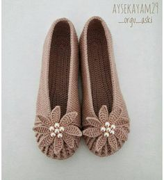Baby fashion accessories shops 48 new ideas Crochet Slipper Pattern, Crochet Shoes, Crochet Slippers, Crochet Clothes, Crochet Patterns, Baby Boots, Baby Girl Shoes, Accessories Shop, Fashion Accessories
