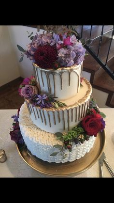 Gorgeous Fresh Fl Cake Wedding Colors Wine And Purple By Fillingood Bakery