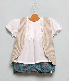 the whole thing is cute, but those bloomers are fantastic!