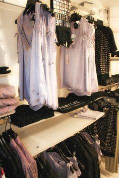 #AmyGee Store moda Made in Italy, prezzi incredibilmente bassi! www.facebook.com/angolodellosport