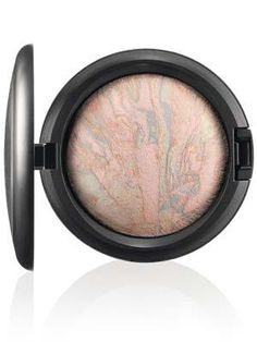 MAC-MineralizeSkinfinish-Lightscapade-300