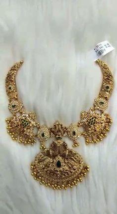 Indian Bridal Jewelry Sets, Silver Wedding Jewelry, Silver Jewellery Indian, Silver Jewelry, Antique Jewellery Designs, Jewelry Design, Mango Necklace, Silk Kurti, Durga Goddess