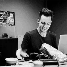 brendon urie and dog | my stuff brendon urie he's such a cutie pie :')