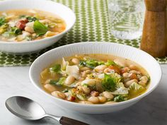 White Bean and Escarole Soup Recipe : Food Network Kitchens : Food Network - FoodNetwork.com