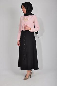 tesettür giyim etek modelleri #moda #fashion #diy #tesettür #allday #tunik #bwest #tesettür #bayan #pantolon #etek #şal #yaz #elbise #ayakkabı #pilise #model #fotoğraf #hijab #zernişan #pileli #düğme #beyaz #gömlek #eşofman #etek #pileli #düğmeli