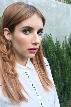 Beautiful This braid looks stunning on Emma Roberts and is perfect for Coachella. The post This braid looks stunning on Emma Roberts and is perfect for Coachella…. appeared first on Amazing H . Festival Coachella, Coachella Hair, Festival Hair, Hair Day, New Hair, Butter Blonde, 5 Minute Hairstyles, Fall Hairstyles, Simple Hairstyles