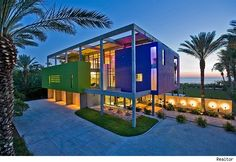 Beachfront Home Is Perfection Cubed by Architect Guy Peterson