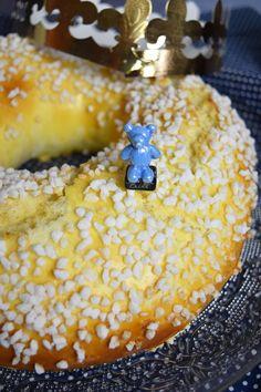Brioche des rois - recette pour l'Epiphanie Galette Des Rois Recipe, Cooking Chef, Croissant, Nutella, Biscuits, The Cure, Food And Drink, Pudding, Pie
