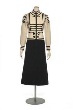 1971 robe | Centre de documentation des musées - Les Arts Décoratifs  #TuscanyAgriturismoGiratola