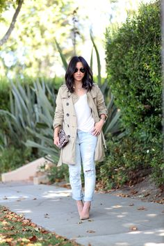 Blogger Crystalin Marie layers her Gap trench over a white tee for a minimal & classic look.
