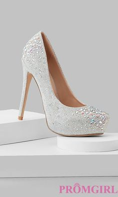 Shop for designer dress shoes at Simply Dresses. Sexy high heels for prom, formal designer dress shoes, bridal shoes and high heels for bridesmaids. Silver Heels Prom, High Heels For Prom, Prom Heels, Satin Shoes, Silver Shoes, Silver Jewelry, Silver Ring, Punk Jewelry, Vestidos