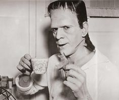 Frankenstein (1931) | 29 Awesome Behind-The-Scenes Photos From The Sets Of Classic Movies