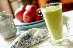 Nothing can beat the heat in this Summer like a green, frozen apple smoothie!    https://easyrecipes.kitchen/recipe/the-summers-apple-cleanser-smoothie/  #Apple #Cleanser #Smoothie #Summer