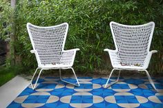 'Scallop' Electric Blue - Encaustic Tile (sample) as seen in Elle Deco – Lindsey Lang Design Ltd Terrazzo Tile, Cement Tiles, Traditional Tile, Encaustic Tile, Wall Installation, Blue Tiles, Outdoor Chairs, Outdoor Decor, Wall And Floor Tiles