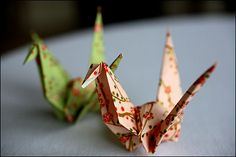 Our Japanese exchange students taught us how to do origami How To Do Origami, Origami Love, Japanese Exchange Student, Origami Swan, Origami Cranes, 1000 Paper Cranes, Japanese Origami, Oragami, Paper Mache