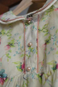 love the pattern Vintage Gypsy, Vintage Girls, Retro Vintage, Vintage Outfits, Vintage Fashion, Vintage Dress, Vintage Floral, Storybook Cottage, Granny Chic