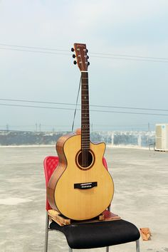 """$95 Model:W-MBS-41A Name:41"""" Solid Top cutaway Acoustic Guitar Body Top:A+ Solid Spruce Back & Side:Walnut Binding:ABS Back Seam: Wood Rosette:Wood Finish:High-gloss Color:Nature Neck                                         Neck Material:Nato Fret :20 Fingerboard:Rosewood with Inlay Abalone Shell Dot Nut:Bone Nut Width:1 3/4"""" (43mm) Bridge:Rosewood Head machine:High Quality  Die-cast Saddle:Bone Strings:D'Addario EXP 16 Electronics:As you requested Avaliable Service:Wholesale/ODM/OEM"""