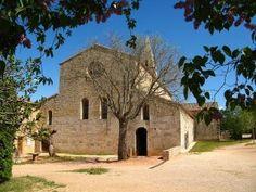 De abdij van le #Thoronet : een van de oudste abdijen in de #Provence ! Kijk voor meer informatie over deze en andere bezienswaardigheden in Zuid-Frankrijk op www.zonnigzuidfrankrijk.nl !
