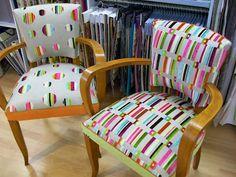 Deux fauteuils Bridge, années 40 ,repensé ,pour être plus contemporain,ton bois chêne clair, tissu choisi dans la même maison Chanée Pa...