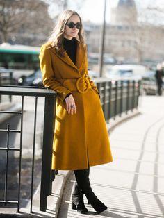 Christian Dior hat in den 50er Jahren den New Look erfunden: schmale Taille, ausladender Rock. Perfekter Wintermantel, perfekter Streetstyle!