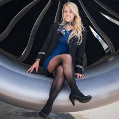 21 Slightly Racy Photos Of The Hottest Female Cabin Crew The Airlines Tried To Ban! Flight Attendant Hot, Airline Attendant, Pantyhose Legs, Nylons, Onur Air, Flight Girls, Girls Uniforms, Great Legs, Cabin Crew