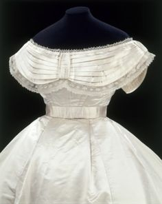 1855 wedding dress bodice, American... would be a gorgeous wedding dress today, too!