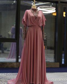 "# 240 # – # Gönül # (@ gonulkolatsusam) # ""# # asilik⭐️ # You can reach our products # 0532 # 167 # 95 # 12 # our line. Muslim Fashion, Modest Fashion, Hijab Fashion, Fashion Dresses, Most Beautiful Dresses, Nice Dresses, Formal Dresses, Wedding Dresses, Wedding Hijab"