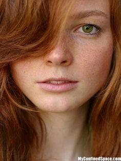 porn brunette Green eyed