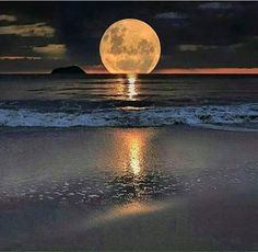 Beautiful moon over ocean Beautiful Moon, Beautiful World, Beautiful Places, Beautiful Scenery, Landscape Photography, Nature Photography, People Photography, Magical Photography, Travel Photography