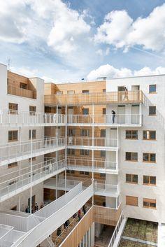 AAVP - Vincent Parreira - Immeuble Less à Paris Xème 69 Logements sociaux au dessus d'un équipement sportif Photographie : pierre lexcellent