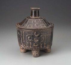 Tetrapod cylinder vessel Aztec