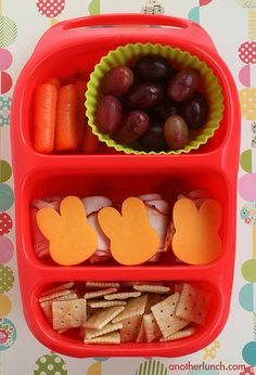 Baby Carrots, Grapes, Turkey, Cheese & Crackers.