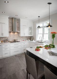 How to Make Best White Kitchen Dad's Kitchen, Small Space Kitchen, White Kitchen Cabinets, Rustic Kitchen, Kitchen And Bath, Kitchen Decor, Kitchen Design, Natural Kitchen, Beautiful Kitchens