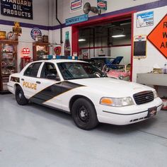 1999 Ford Crown Victoria Police Interceptor 1999 Ford Crown Victoria Police Interceptor