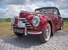 Safe in your arms Starring: Skoda 1101 Roadster by Le Photiste Vintage Cars, Antique Cars, Bus Engine, Logo Design Love, Seat Cupra, Vw Group, Volkswagen Group, Motor Car, Cars And Motorcycles