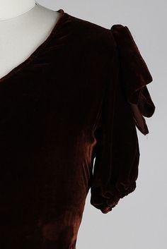 Vintage 1930s Dress . brown silk velvet . bow by millstreetvintage