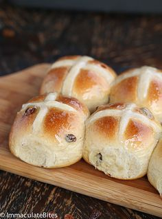 Hot Cross Buns Recipe - Immaculate Bites : Hot Cross Buns Recipe - Immaculate Bites Hot Cross Buns Recipe- Soft, tender and lightly spiced brushed with sweet syrup and filled with juicy raisins. Cross Buns Recipe, Bun Recipe, Hot Crossed Buns Recipe, Easter Recipes, Dessert Recipes, Cake Recipes, Bread Bun, Bread Rolls, British Baking