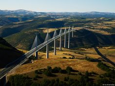 Viaduc de Millau © D. Viet/CRT Midi-Pyrénées