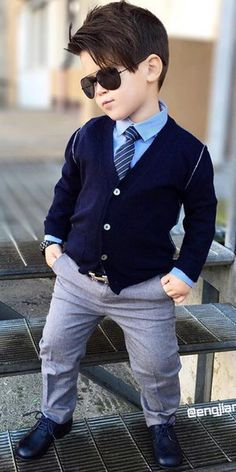 Smart kid with sunglass style for little boys 2019 Little Boy Outfits, Toddler Outfits, Baby Boy Outfits, Baby Boy Dress, Baby Boy Swag, Toddler Boy Fashion, Little Boy Fashion, Outfits Niños, Kids Outfits