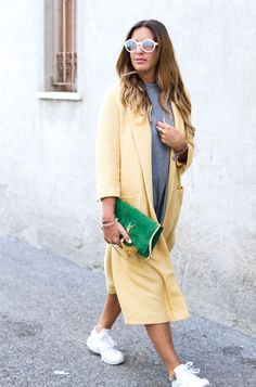 Sandra of www.black-palms.com / Saint Laurent / Streetstyle / yellow Coat / Zara / Nike / Huarache