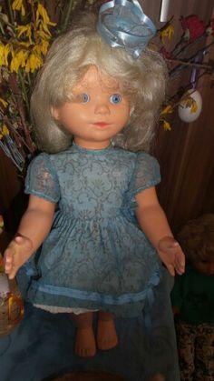 325.Hamiro drobný blond originál oblečení Girls Dresses, Flower Girl Dresses, Dolls, Retro, Disney Princess, Wedding Dresses, Disney Characters, Blond, Vintage