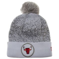 4a6deb37506 Chicago Bulls White and Grey Flecked Medallion Logo Cuff Pom Knit Hat
