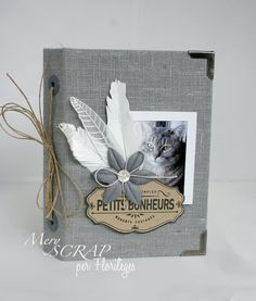 Sweet pet canvas mini with spine Scrapbook Canvas, Mini Scrapbook Albums, Album Scrap Boda, Big Shot, Mini Albums Photo, Journal Covers, Smash Book, Bookbinding, Mini Books